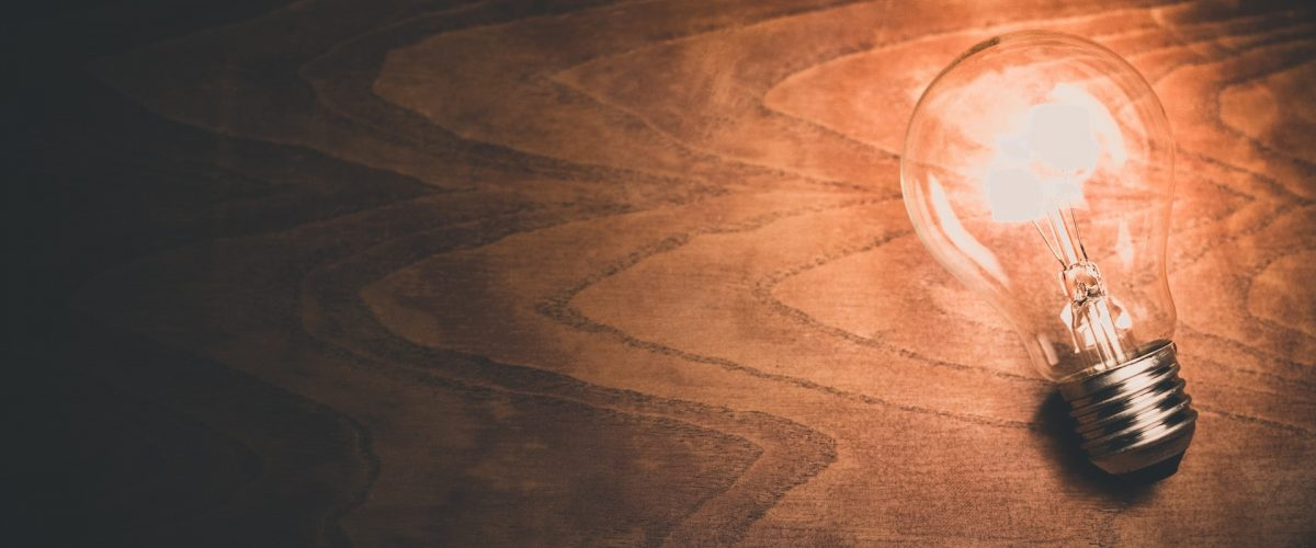 light-bulb-1246043_1920
